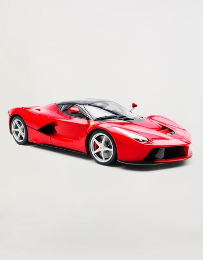 LaFerrari model in 1:8 scale