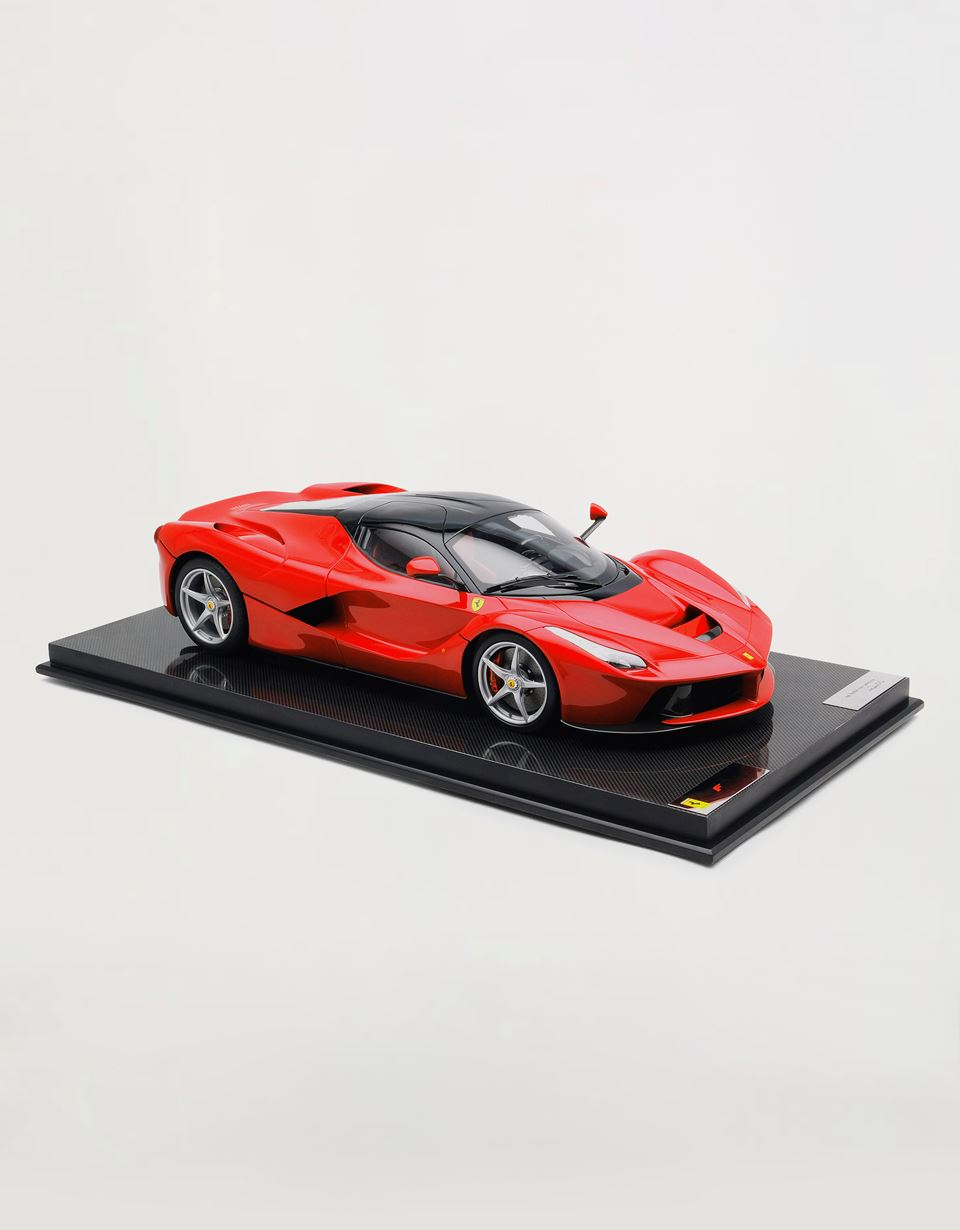 Scuderia Ferrari Online Store - LaFerrari model in 1:8 scale - Car Models 1_1.8