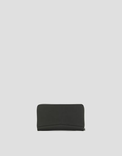 Hyperformula wallet with zip and reinforced details