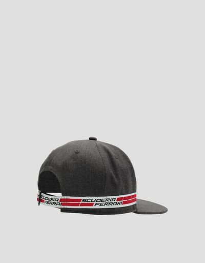 Scuderia Ferrari Online Store - Men's baseball cap with flat visor and Icon Tape - Baseball Caps