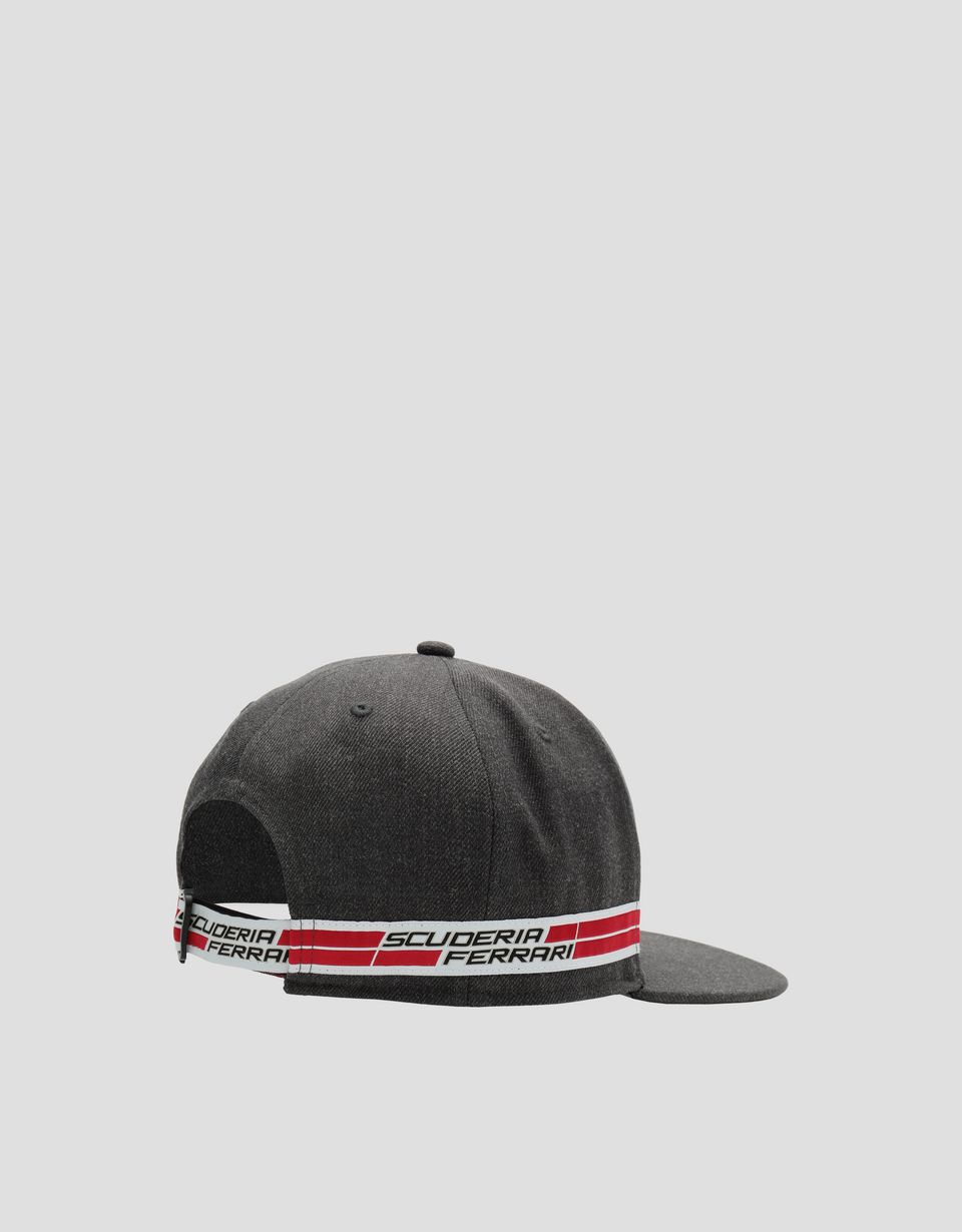 Scuderia Ferrari Online Store - Men's hat with flat peak and Icon Tape - Baseball Caps