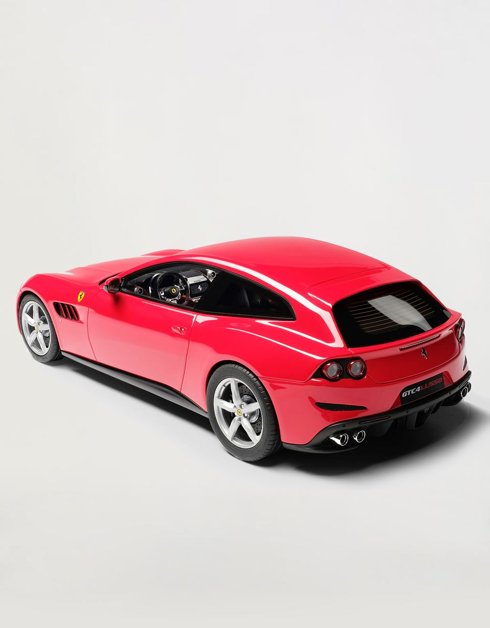 Scuderia Ferrari Online Store - Ferrari GTC4Lusso model in 1:18 scale - Car Models 01:18