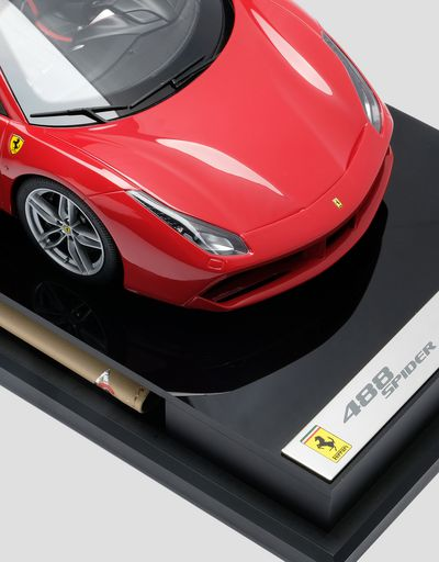 Scuderia Ferrari Online Store - Ferrari 488 Spider model in 1:18 scale - Car Models 01:18