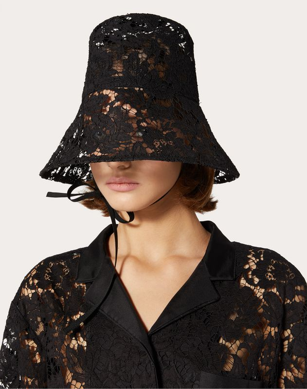 Heavy lace hat