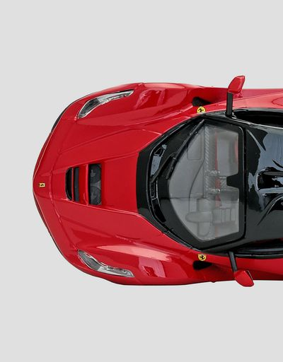 Scuderia Ferrari Online Store - LaFerrari 1:24 scale model - Car Models 01:24