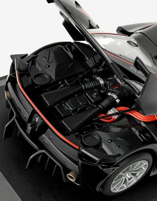 Scuderia Ferrari Online Store - Modèle réduit Ferrari FXX K à l'échelle 1/18 - Modèles réduits voiture 1:18