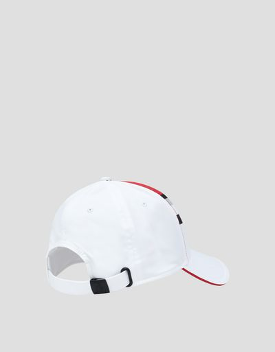 Women's cap with reflective insert