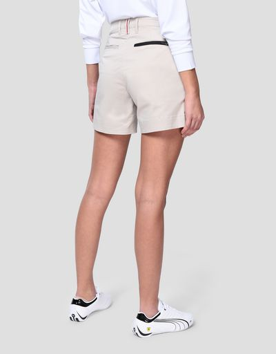 Women's shorts in stretch cotton gabardine