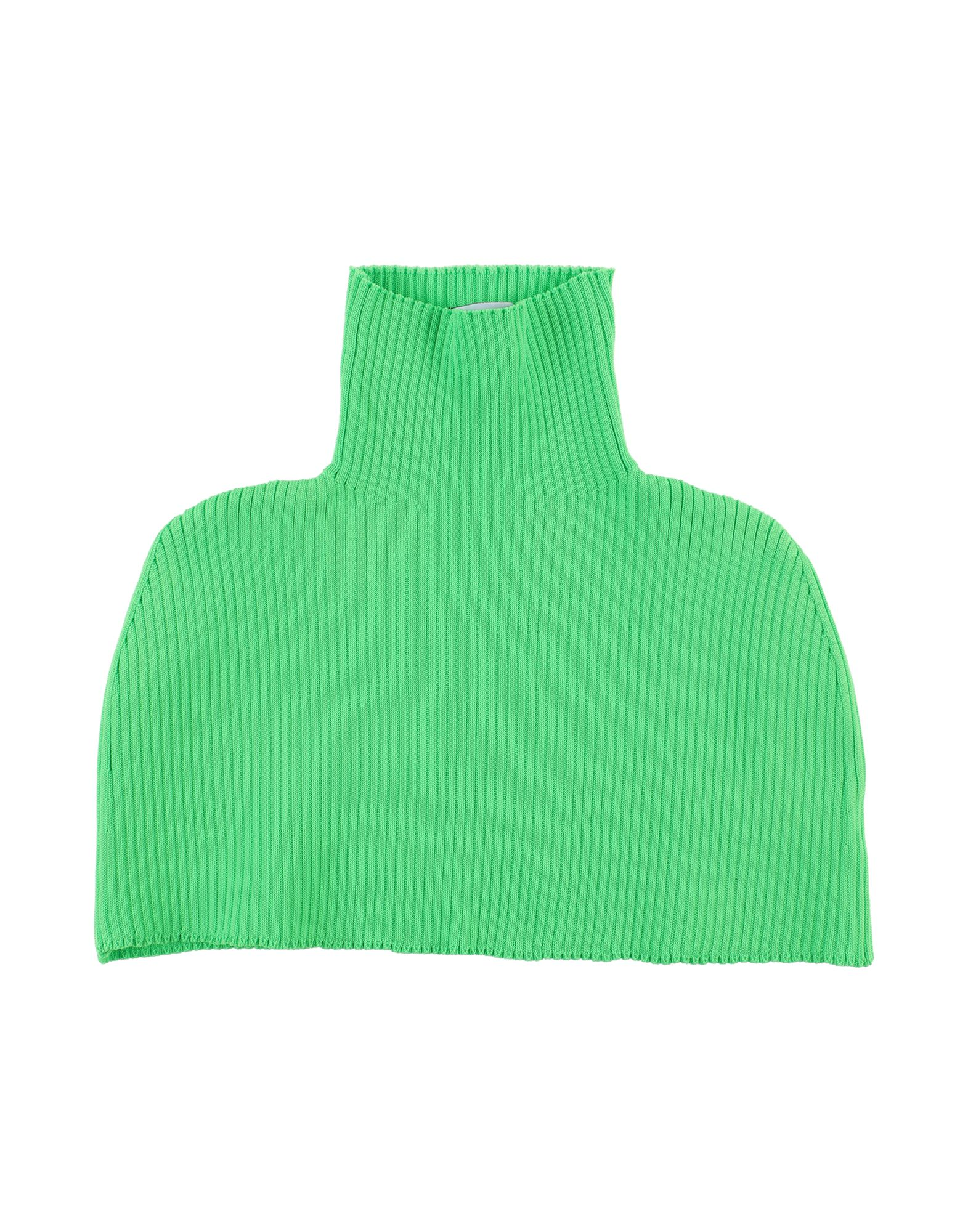 GCDS Collars. knitted, ribbed, no appliqués, basic solid color, lightweight sweater. 94% Polyester, 6% Elastane