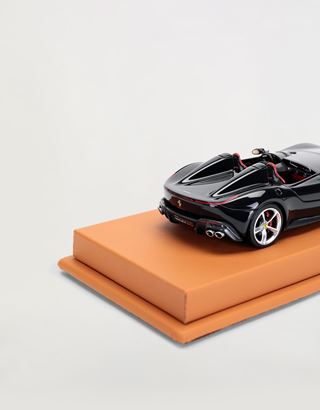 Scuderia Ferrari Online Store - Ferrari Monza SP2 1:43 scale model - Car Models 01:43
