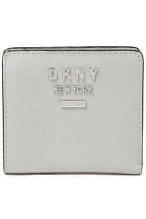 DKNY محفظة من الجلد المحبب مزينة بشعار الماركة