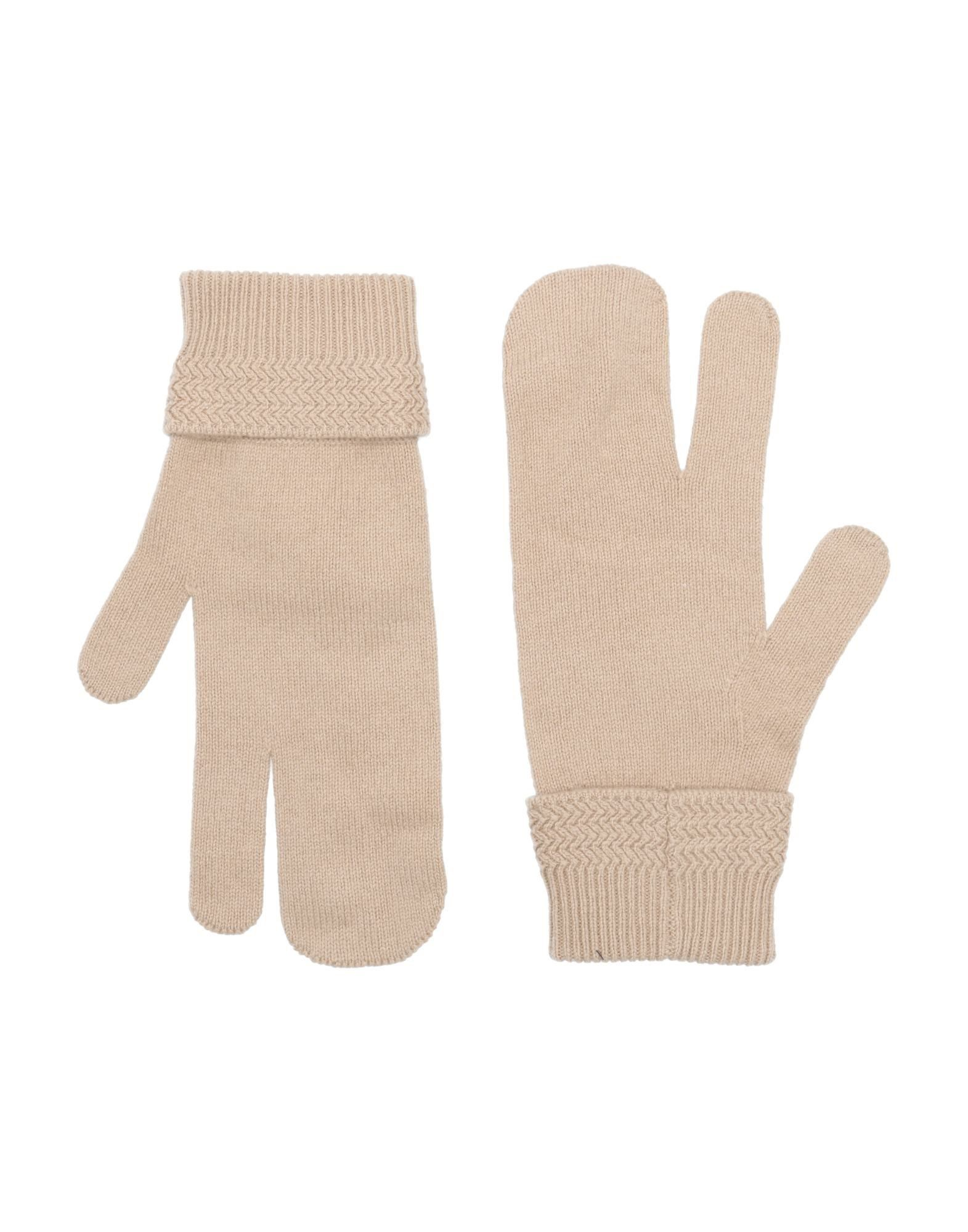 MAISON MARGIELA Gloves. knitted, mélange, solid color, medium-weight knit. 90% Wool, 10% Cashmere