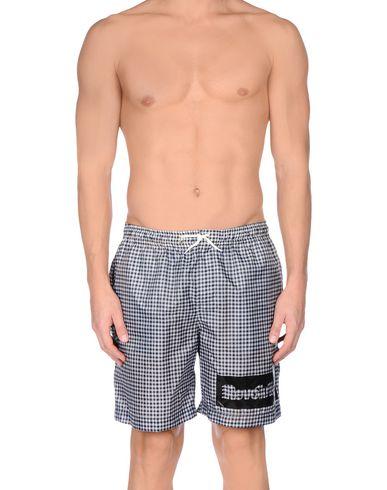 Пляжные брюки и шорты от DANIELE ALESSANDRINI HOMME