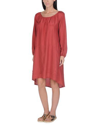Фото - Пляжное платье красно-коричневого цвета