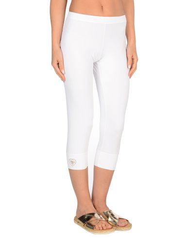 Фото - Пляжные брюки и шорты от VDP BEACH белого цвета