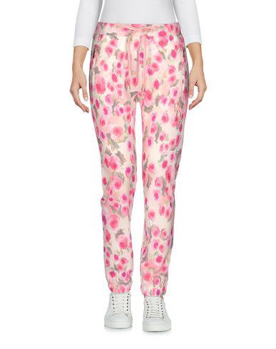 Фото - Повседневные брюки от VDP BEACH розового цвета