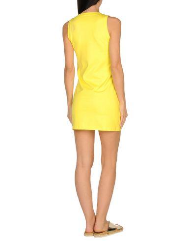 Фото 2 - Пляжное платье желтого цвета
