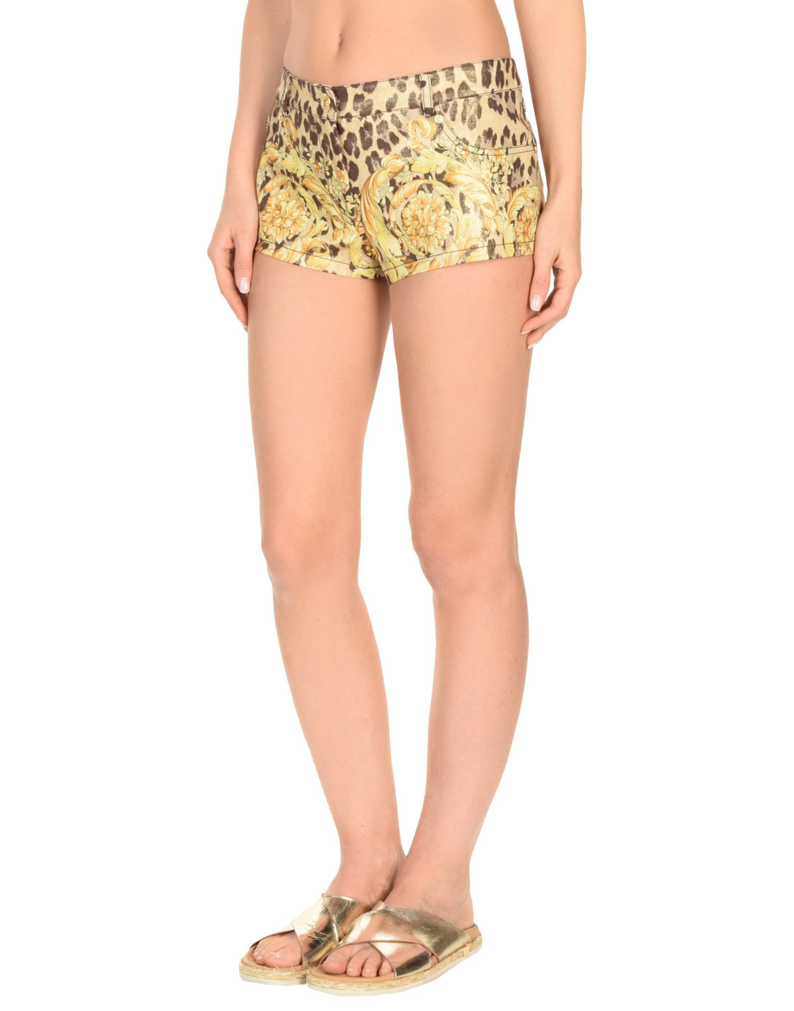 все цены на VERSACE Пляжные брюки и шорты онлайн