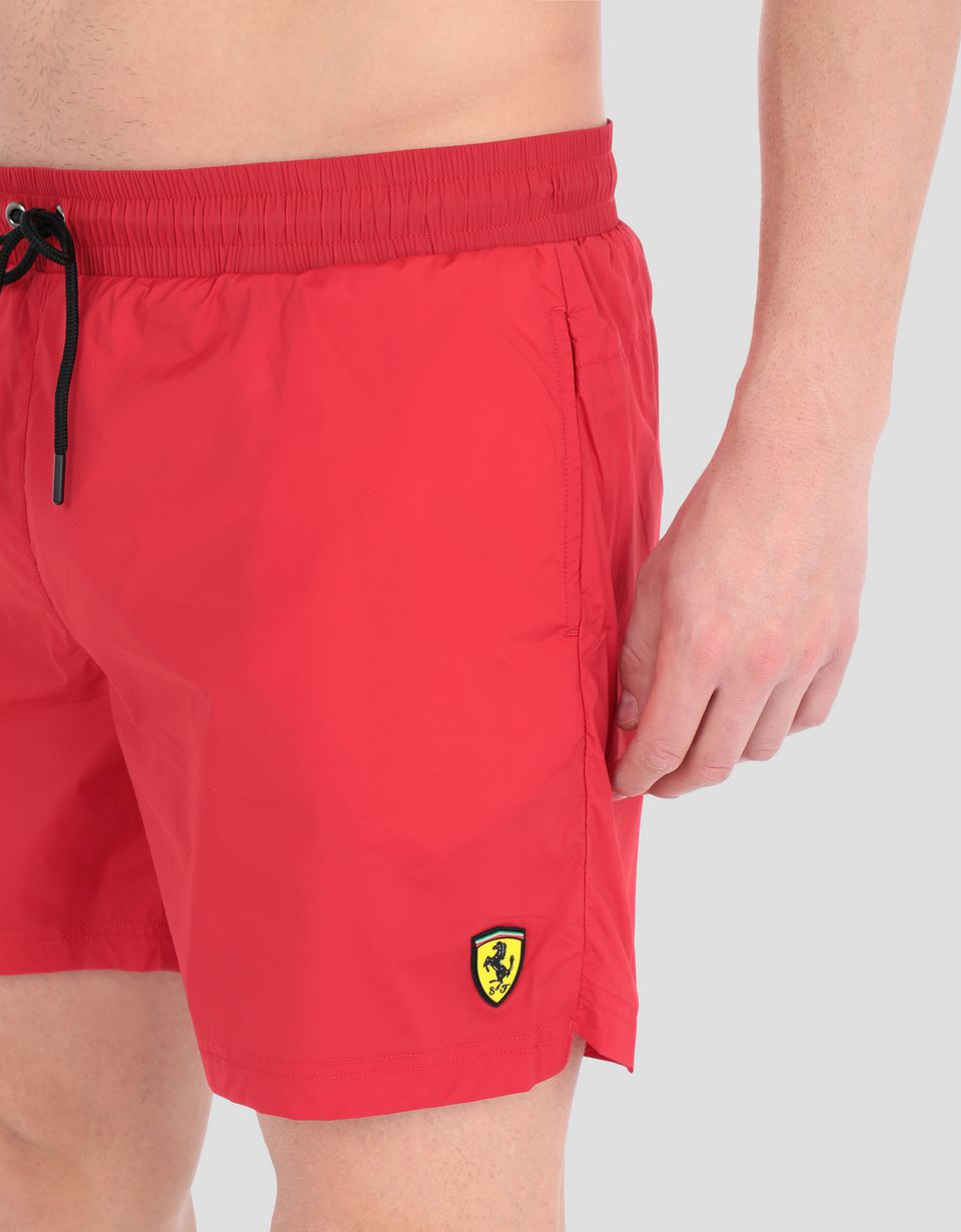 Scuderia Ferrari Online Store - Men's swimming shorts with Scuderia Ferrari print - Swimming Shorts