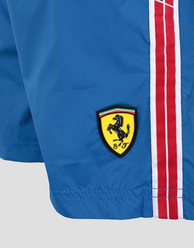 Scuderia Ferrari Online Store - Jungen-Badeshorts mit Icon Tape der Scuderia Ferrari - Badeshorts