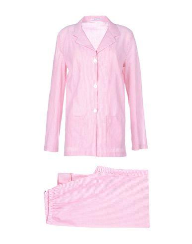 Фото - Женский халат или пижаму  красного цвета