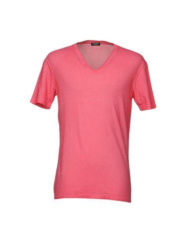 Фото - Мужскую футболку  кораллового цвета