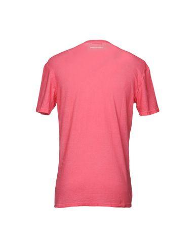 Фото 2 - Мужскую футболку  кораллового цвета