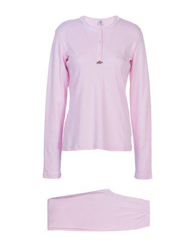 Фото - Женский халат или пижаму  розового цвета