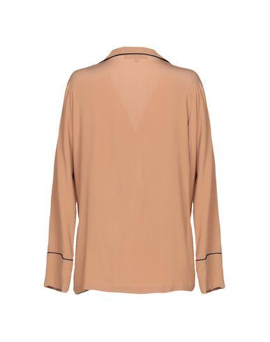 Фото 2 - Женский халат или пижаму KATIA G. цвет верблюжий