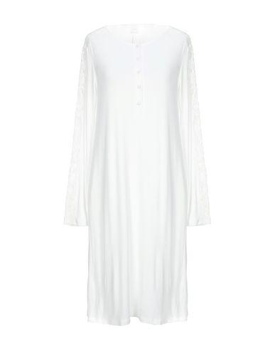 Фото - Женский халат или пижаму  белого цвета