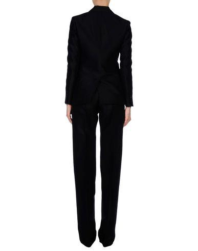 Фото 2 - Классический костюм черного цвета