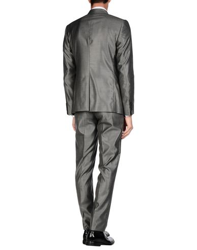 Фото 2 - Мужской костюм  серого цвета