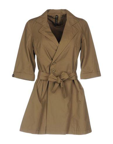 Фото - Легкое пальто цвета хаки