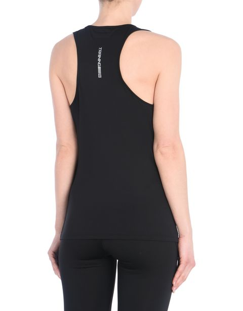 Women's sports top in breathable fabric