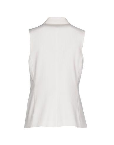 Фото 2 - Женский пиджак BRIAN DALES белого цвета