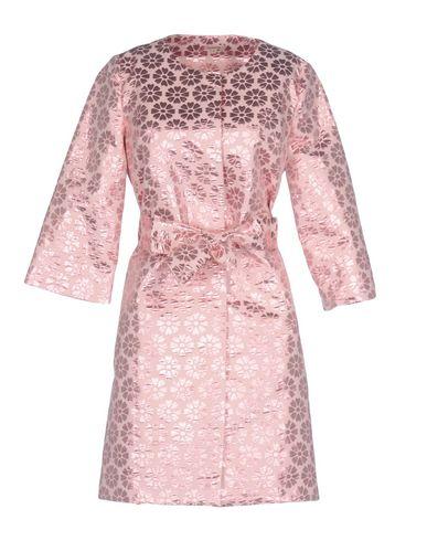 Фото - Легкое пальто от P.A.R.O.S.H. розового цвета