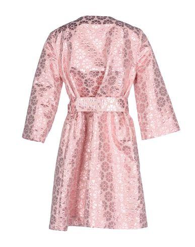Фото 2 - Легкое пальто от P.A.R.O.S.H. розового цвета