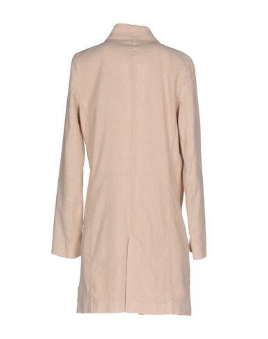 Фото 2 - Женский пиджак IANUX #THINKCOLORED бежевого цвета