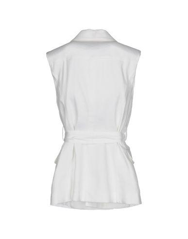 Фото 2 - Женский пиджак GOTHA белого цвета