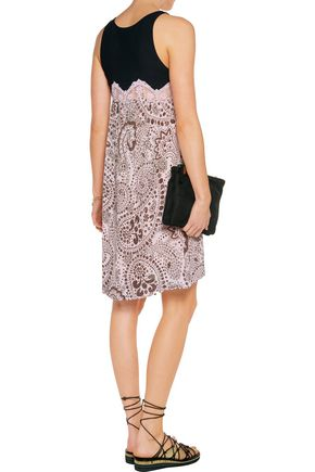 CHLOÉ Crepe-paneled printed plissé-gauze dress