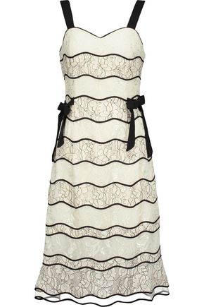 SACHIN & BABI Sleeping Beauty bow-embellished paneled lace dress