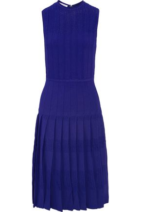OSCAR DE LA RENTA Pleated crochet-paneled knitted dress