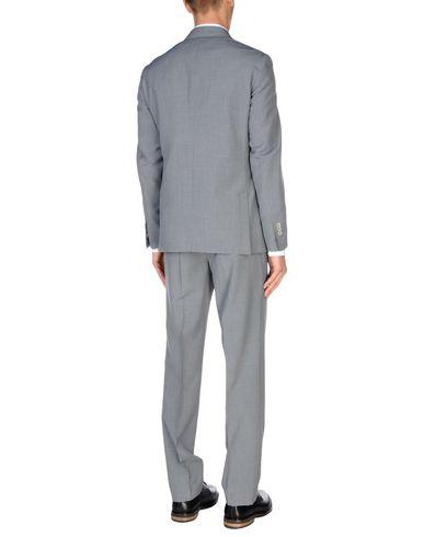 Фото 2 - Мужской костюм CITY TIME серого цвета