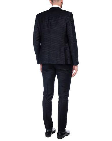 Фото 2 - Мужской костюм CITY TIME черного цвета