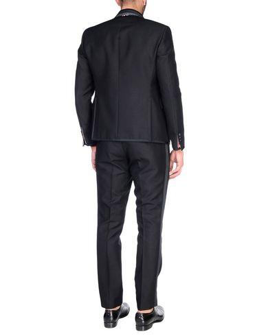 Фото 2 - Мужской костюм  черного цвета