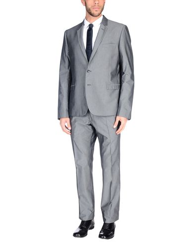 Фото - Мужской костюм  свинцово-серого цвета