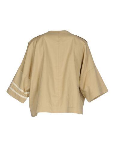 Фото 2 - Женский пиджак GOLD CASE бежевого цвета