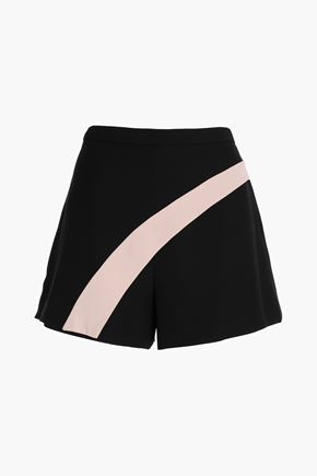 ALEXIS Two-tone crepe shorts