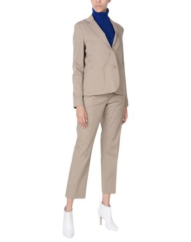 Классический костюм от ASPESI