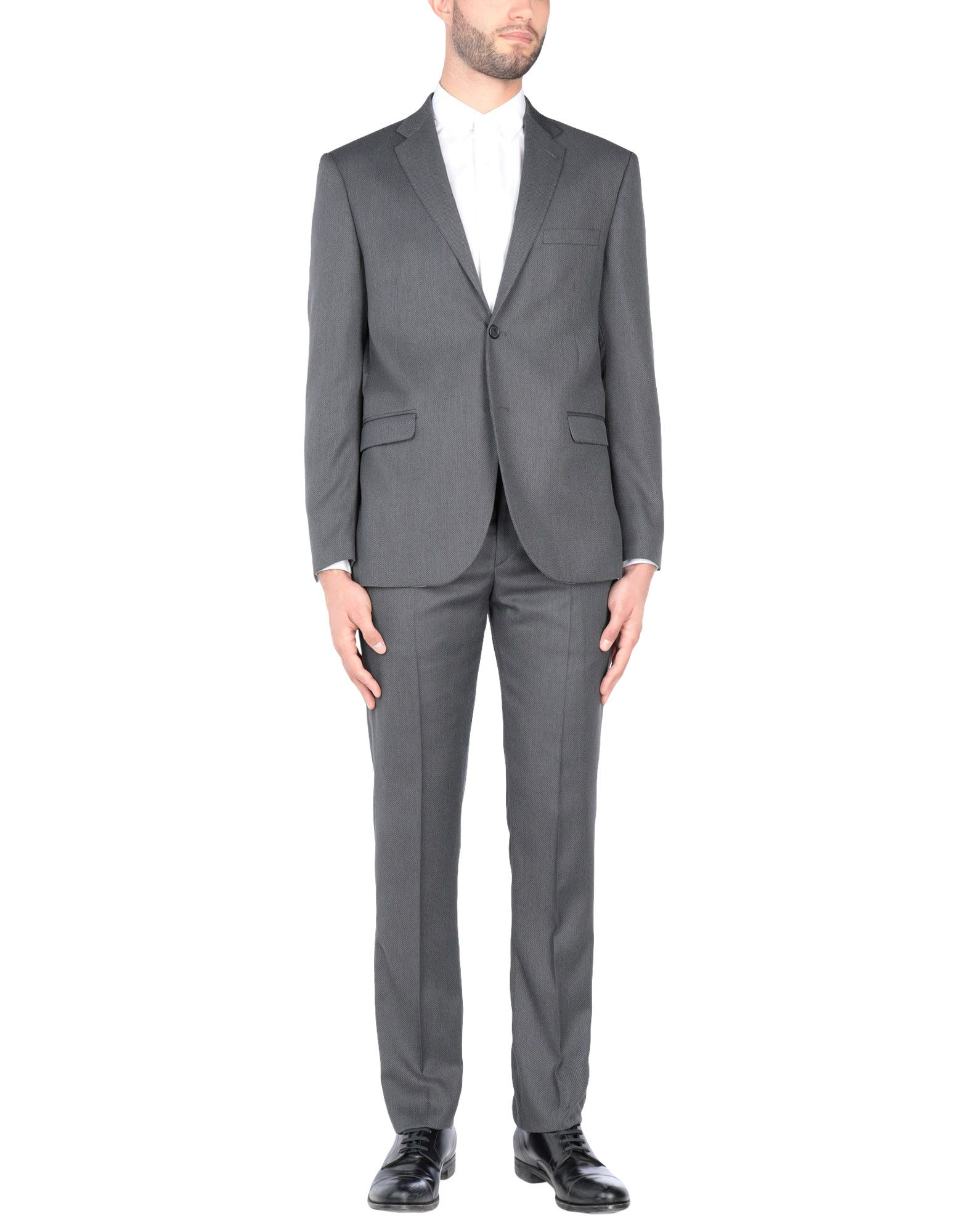 ALESSANDRO GILLES | ALESSANDRO GILLES Suits | Goxip